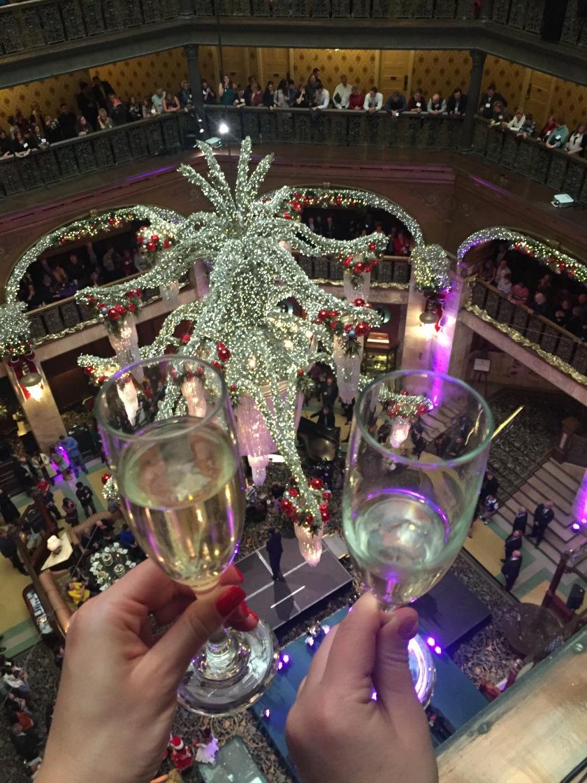 Champagne Cascade (1)